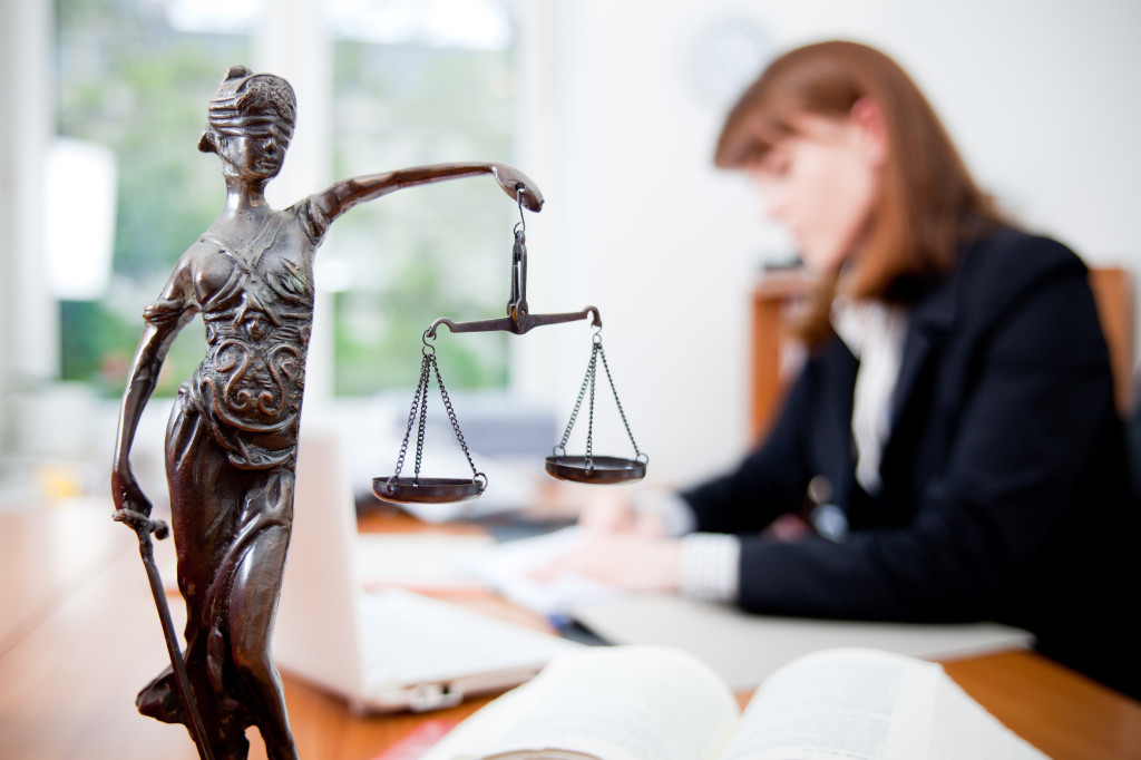юрист профессия года 2015