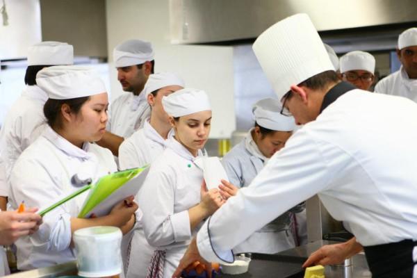 шеф-повар востребованная профессия в России