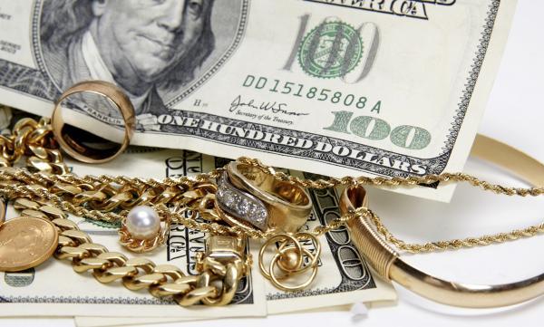 доллары на золоте